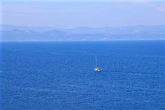 Яхта в море Стоковые Фото