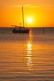 яхта захода солнца sailing Стоковые Изображения