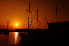 яхта захода солнца гавани Стоковая Фотография RF
