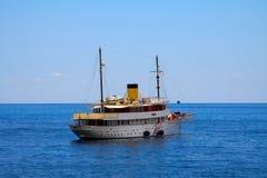 Яхта классицистических 1930s курсируя Стоковое Изображение RF