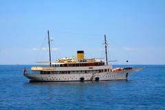 Яхта классицистических 1930s курсируя Стоковое Изображение