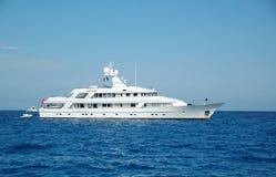 яхта мотора Франции южная стоковая фотография rf