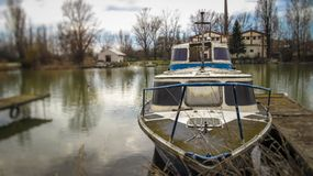 Яхта на Дунае стоковые изображения rf