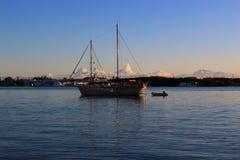 Яхта праздника поставлена на якорь! Стоковое фото RF