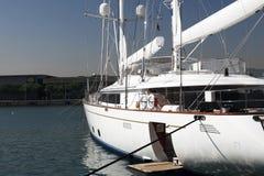 яхта причаленная роскошью Стоковые Изображения