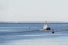 Яхта экспедиции покидая New Bedford стоковое изображение rf