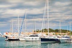 Яхта s St Tropez стоковое изображение rf