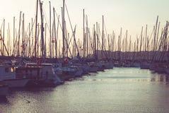 Яхты в гавани стоковая фотография rf