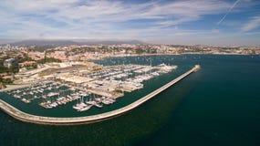 Яхты в гавани Cascais, Португалии Марина вида с воздуха Стоковое фото RF