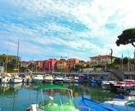 Яхты в порте Свят-Джин-крышки-Ferrat - курорт и коммуна на юговостоке Франции на мысе Cote d'Azur в Провансали-Alpes стоковые изображения