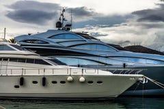 Яхты в Порте de Alcudia, Мальорка, Испании стоковые фото