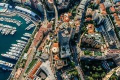 Яхты в фото лета трутня riviera города Монако Монте-Карло порта стоковая фотография