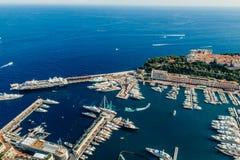 Яхты в фото лета трутня riviera города Монако Монте-Карло порта стоковая фотография rf