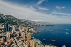 Яхты в фото лета трутня riviera города Монако Монте-Карло порта стоковое фото rf