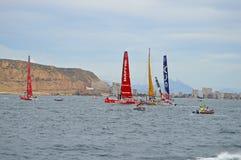 Яхты гонок вися о линии старта Стоковое Фото