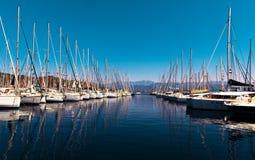 Яхты на набережной Стоковое Фото