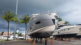 Яхты на hardstand для ремонта Стоковые Изображения RF
