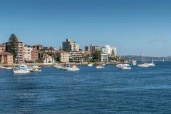 Яхты перед мужественным северным променадом гавани, Сиднеем Austral Стоковое Фото