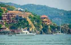 Яхты Zihuatanejo стоковое фото rf