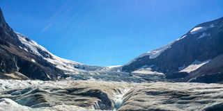 яшма icefield ледника Канады канадская columbia athabasca alberta известная большинств национальный парк принятые rockies Стоковые Фото