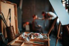 Ящик эскиза с взглядом крупного плана чертегных инструментов Стоковое Изображение