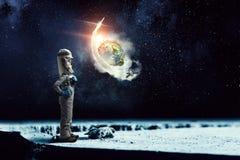 Я исследую космос Мультимедиа Стоковое Изображение RF