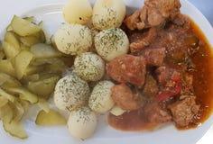 Я люблю ем мясо и картошку стоковое изображение