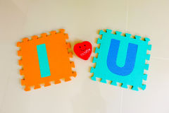 Я тебя люблю алфавит с красным сердцем стоковые изображения