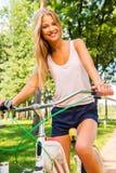 Я люблю мой новый велосипед! Стоковые Фото