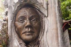 '爸爸& Rangi'雕塑布赖恩伍德沃德&肯Blum 库存照片