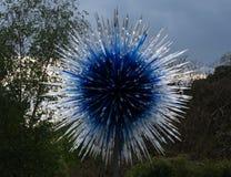 '青玉由维多利亚门的星'展览在基奥庭院伦敦英国'在自然的反射'陈列Chihuly 免版税图库摄影