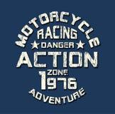 'motocicleta, competindo 'a tipografia, gráficos ostentando do t-shirt ilustração royalty free