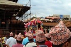 'Dhaka Topi 'versleten door lokale Nepali-mensen royalty-vrije stock afbeeldingen