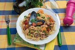 'Spaghettiallo scoglio '- Italiaans voedsel stock foto