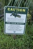 'Voorzichtigheids Krokodille 'teken stock fotografie