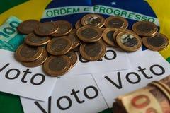 'Voto 'in het Portugees: Stem, politieke corruptie in Brazilië en de aankoop van stemmen in verkiezingen stock afbeelding