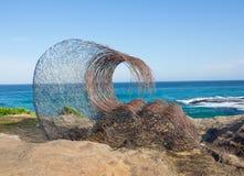 'Welle innerhalb 'ist eine bildhauerische Grafik durch Sandra Pitkin an der Skulptur durch die Seejährlichen veranstaltungen, die stockbilder