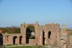 """""""Île sainte """", Lindisfarne le Northumberland Site historique photographie stock"""