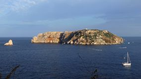 """""""Νησιά Medas στο """"ΚΟΣΤΑ ΜΠΡΆΒΑ """"της Καταλωνίας, Ισπανία Χρονικό σφάλμα απόθεμα βίντεο"""