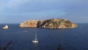 """""""Νησιά Medas στο """"ΚΟΣΤΑ ΜΠΡΆΒΑ """"της Καταλωνίας, Ισπανία απόθεμα βίντεο"""