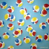 """""""Ο πρώτος μήνας του καλοκαιριού """", μια πρόσφατα-χρωματισμένη τοιχογραφία από τις εγκαταστάσεις Mione καλλιτεχνών που τοποθετούντα στοκ εικόνα"""