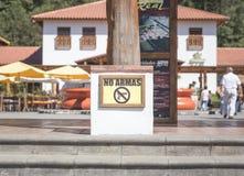 """""""在人附近的没有阿玛斯""""标志在危地马拉 库存照片"""