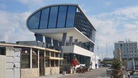 """""""在Cazinou散步的Plonje""""餐馆在康斯坦察市,罗马尼亚 免版税库存图片"""
