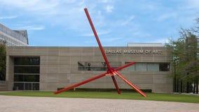 """""""Avenue """"par Mark Di Suvero sur Ross Avenue Plaza en dehors de Dallas Museum d'art, le Texas photos stock"""