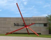"""Avenue ""par Mark Di Suvero sur Ross Avenue Plaza en dehors de Dallas Museum d'art, le Texas photos libres de droits"