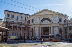 """""""Stazione ferroviaria di Principe della piazza """"nel quadrato di Acquaverde a Genova, Italia fotografie stock"""