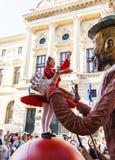 """""""De impulsdans"""" toont, binnen van Internationaal Festival van Straattheater, """"B-PASVORM in de straat 2015"""" Stock Foto"""