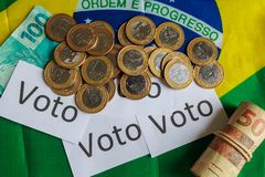 """""""Voto """"на португальском: Голосование, политическая коррупция в Бразилии и приобретение голосований в избраниях стоковое фото rf"""