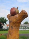 """† För à för stor Apple †""""bleskulpturen royaltyfri foto"""
