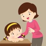 安慰哀伤的女孩的老师 哀伤的孩子要拥抱 库存例证图片
